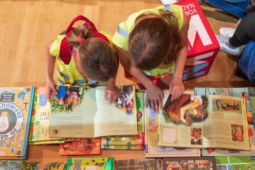 Ob Kinder- und Jugendbuchmesse in Götzis oder die Buch am Bach online: Es geht um das Fördern der Lesefreude und das Angebot, die Begeisterung für Bücher auszuleben.VN/Stiplovsek