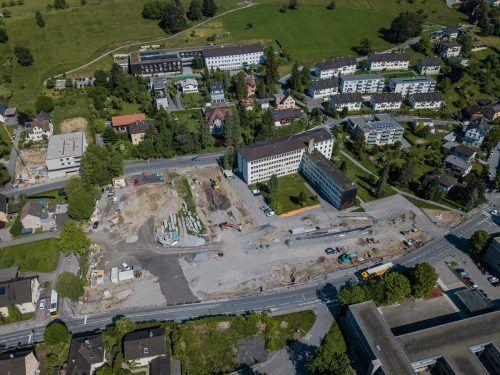 Vorarbeiten für den Bau der vielzitierten Tunnelspinne laufen im Bereich der Pädagogischen Hochschule (noch) auf Hochtouren. VN/Steurer