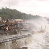 Heftiger Taifun Vongfong auf Philippinen getroffen