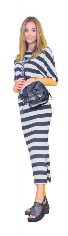 """allover             Lisa trägt ein Kleid von Comfy (84,95 Euro), Sandaletten von Mjus (119,90 Euro) und eine """"George, Gina, Lucy""""-Tasche (139,90 Euro) von Alton Schuh-Mode-Sport in Feldkirch. VN/Steurer"""