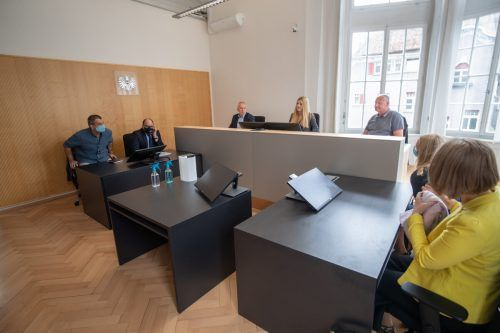 Am Arbeitsgericht kämpft Ex-Redakteur gegen seine Entlassung. VN/Sams