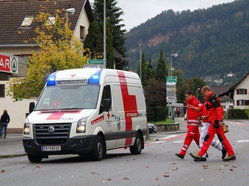 Am Einsatz vor Ort waren auch mehrere Sanitäter des Arbeiter-Samariterbundes Feldkirch beteiligt. Symbol: vol.at/pletsch