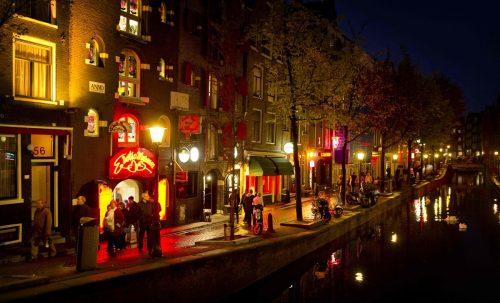 Amsterdams Rotlichtviertel öffnet heute wieder seine Pforten. AFP