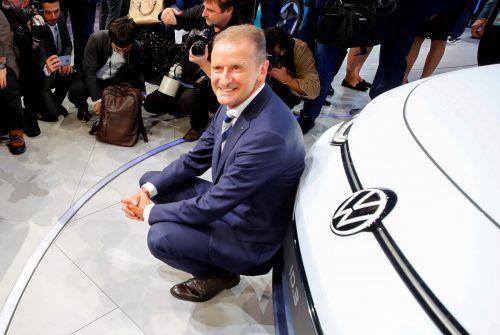 Anhaltende Schwierigkeiten in der Produktion des Golf 8 und beim neuen E-Auto ID.3 erhöhten in den letzten Wochen den Druck auf Konzernchef Herbert Diess. Reuters