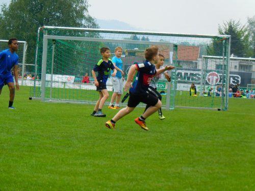 Auf die jungen Kicker Youngsters wartet eine erlebnisreiche Woche. mima