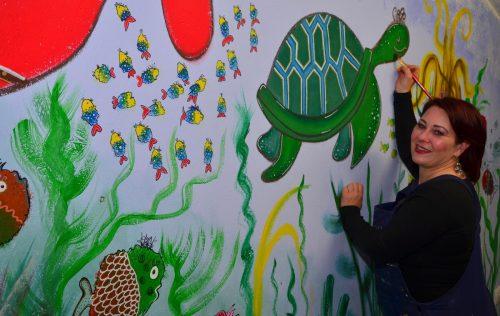 Beate Köchle verwandelte den Kindergarten Muntlix in eine Unterwasserwelt. WS