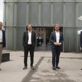 "<p class=""caption"">Bürgermeister Markus Linhart (l.) sowie Markus Schinwald, Staatssekretär Magnus Brunner und KUB-Direktor Thomas D. Trummer.</p>"