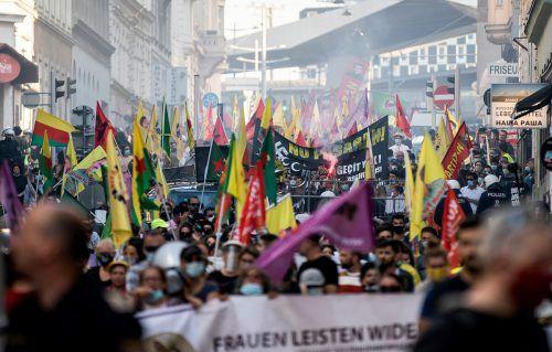 Bundesregierung will nach Kurden-Demo hart durchgreifen. APA
