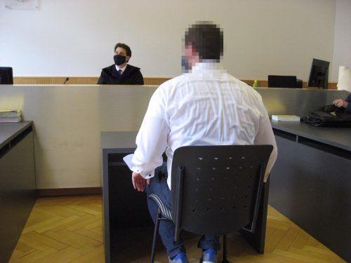 Dem Angeklagten wird vorgeworfen, durch seine Machenschaften einen Schaden von mehr als 300.000 Euro verursacht zu haben. eckert
