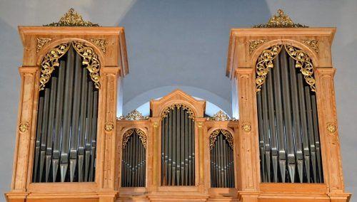 Den warmen Klang der Schönach-Orgel wird Prof. Bruno Oberhammer zur Geltung bringen. me