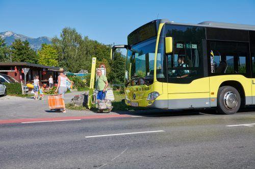Der Badebus 61B bringt Gäste vom 10. Juli bis 30. August alle 30 Minuten direkt zu den Paspels-Seen. Landbus/Hagen