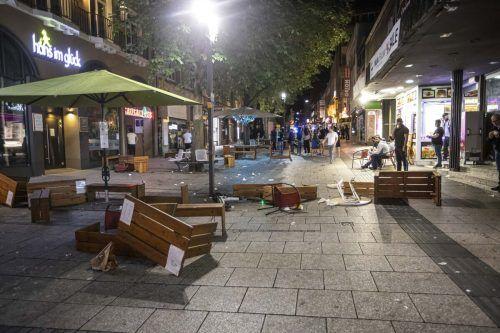 Der Grund für den Gewaltausbruch in Stuttgart ist noch unklar.DPA/Adomat