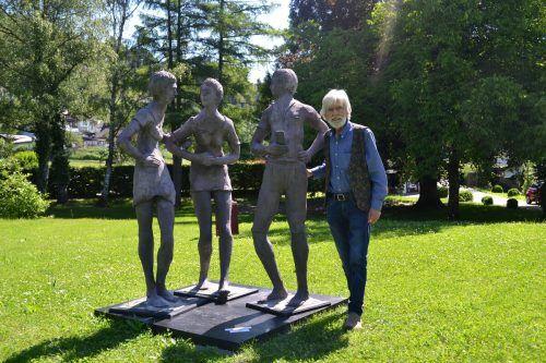 Der Maler und Bildhauer Reinhard Welte aus Satteins präsentiert bereits zum vierten Mal im Park der Villa Falkenhorst seine Werke. BI