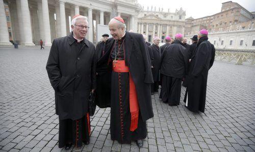 Der Salzburger Erzbischof (l.) ist Nachfolger von Christoph Schönborn. apa