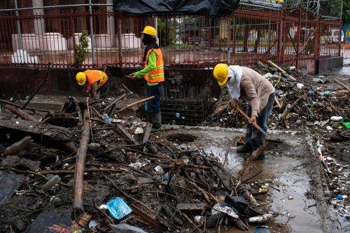 Der Sturm löste Erdrutsche aus und sorgte für schwere Überschwemmungen. AFP