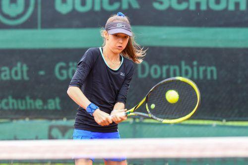 Die 15-jährige Mia Liepert vom TC Bludenz muss in der Auftaktrunde wegen ihres Einsatzes bei den ÖTV-U-18-Titelkämpfen in Villach passen.VN/Lerch