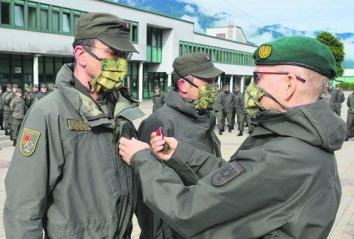 Die 3. Kompanie des Miliz-Jägerbataillons Vorarlberg beendete gestern ihren Covid19-Präsenzdienst. Für ihre Leistungen wurden die Milizsoldaten mit der Einsatzmedaille des Bundesheeres ausgezeichnet. Markus Koppitz