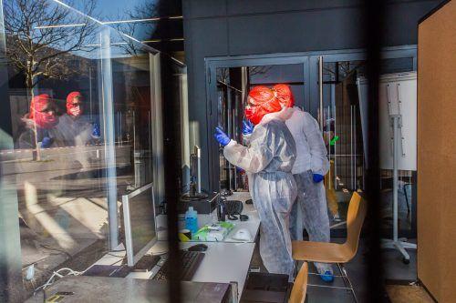 Die Behandlung erfolgte unter größtmöglichen Sicherheitsvorkehrungen.vn/steurer