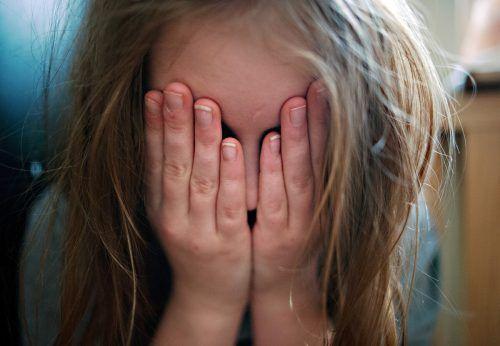 Eine leichte Ohrfeige oder ein Klaps auf den Po wird von rund der Hälfte der Befragten als Gewalt bezeichnet.dpa