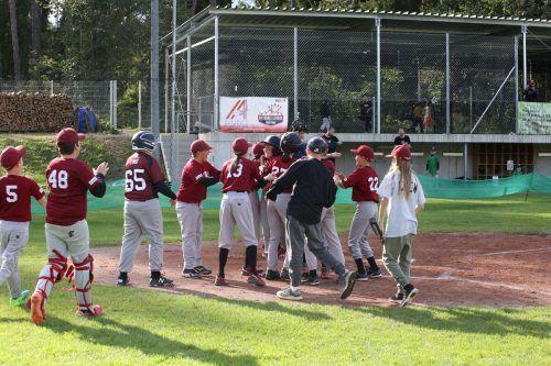 Die Nachwuchsmannschaften der Feldkirch Cardinals starten wieder ins Training und sind auf der Suche nach Verstärkung. Verein