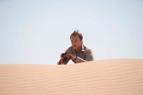 """Die Thriller-Serie """"Mirage – Gefährliche Lügen"""" mit Hannes Jaenicke wurde in Abu Dhabi gedreht. Cineflix/Roger Arpajou"""