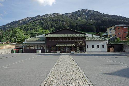 Die Walserhalle erhielt eine neue Pelletsanlage. sg