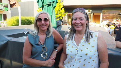 Elke und Andrea schauten beim Konzertabend vorbei.