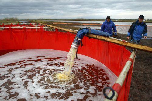Experten warnen, dass sie nicht den gesamten Kraftstoff einsammeln können. AFP