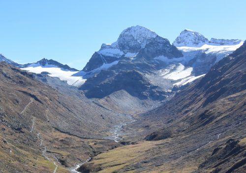 Immer weniger Eisfläche: Ochsentaler Gletscher am Fuß des Piz Buin. Inatura
