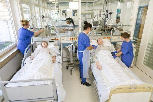 Die Pflege braucht Verstärkung, deshalb wird fleißig ausgebildet.khbg