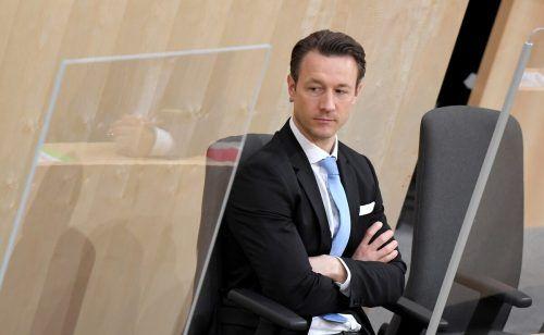 Finanzminister Blümel (ÖVP, Bild) dreht grundsätzlich an den richtigen Stellschrauben, sagt IHS-Chef Kocher. AP