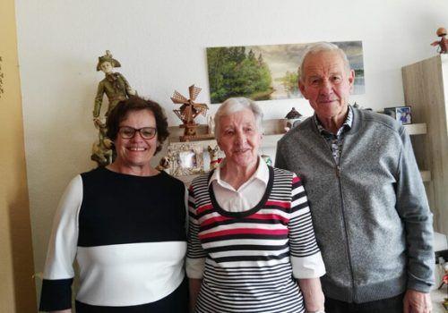 Hannelore Zach feierte ihren 85. Geburtstag. Eine Abordnung des OG PV Nüziders besuchte sie. og pv Nüziders
