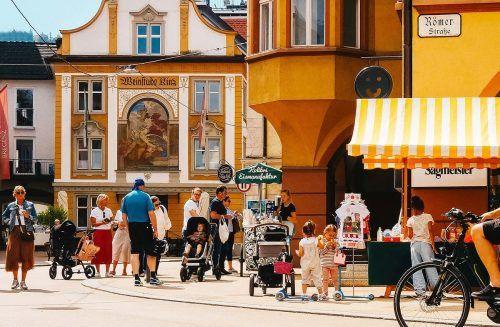 In der Bregenzer Innenstadt kann man unter freiem Himmel einkaufen.
