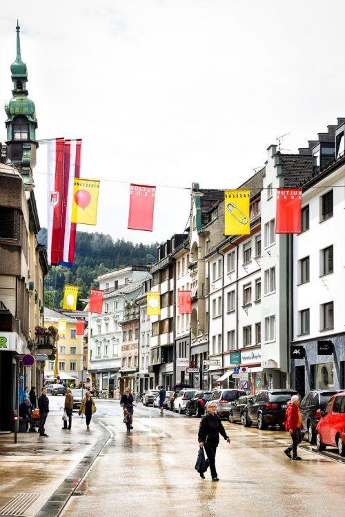 Keine Festspiele, nur Festtage im August, und eine andere, durchaus kreative Beflaggung in Bregenz: 2020 ist Covid19-bedingt alles anders. Stadt Bregenz/Mittelberger