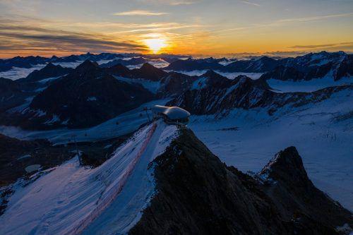 Laut einer neuen Studie gehen auch die Gletscher in Österreich stark zurück (im Bild: der Pitztaler Gletscher). APA
