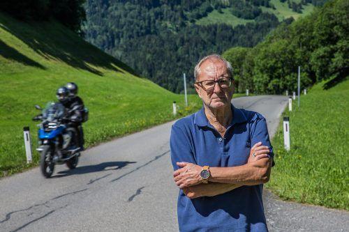 Leben an einer Motorradstrecke: Heinz Schuster ist zermürbt. Speziell laute Zweiräder machen ihm und seiner Frau Anita zu schaffen. Mittlerweile spielen die beiden mit dem Gedanken, dem Bregenzerwald den Rücken zu kehren. VN/Steurer