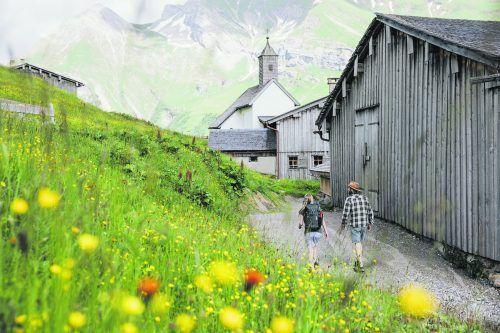 Lech Zürs bietet eine tolle Mischung aus Naturerlebnis, Kulturprogramm und kulinarischem Genuss. Lech Zürs Tourismus