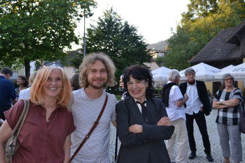 Margarethe Gröfler, Monika Helfer und Sohn Lorenz kamen aus dem Unterland.