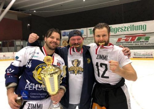 Martin Rassi (Mitte) ist beim SC Hohenems tief verwurzelt.mima