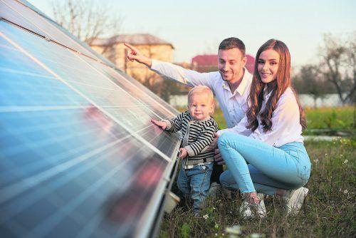 Mit dem Photovoltaikrechner kann man die Wirtschaftlichkeit einer geplanten Anlage errechnen.shutterstock