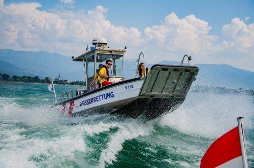 Neben der Polizei, der Bergrettung und den Feuerwehren von Bregenz und Hard war auch die Wasserrettung im Einsatz. Symbol: Wasserrettung