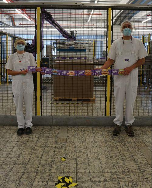 Mondelez-Mitarbeiter nahmen die Sicherheits- und Hygienemaßnahmen sehr ernst. FA