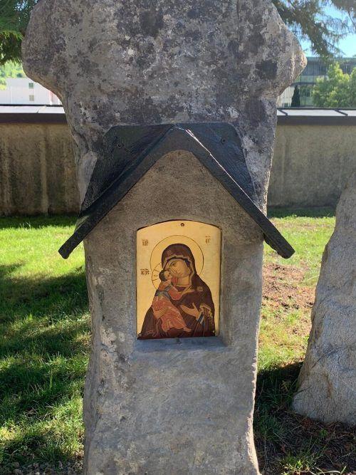 Statt am Ardetzenberg steht der Bildstock nun bei der Kirche in Levis. BP