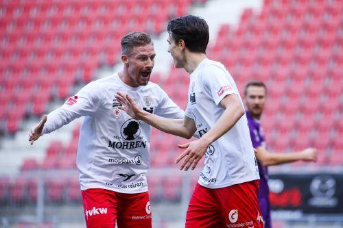Timo Friedrich (links) und Lukas Fridrikas wollen auch heute Tore bejubeln können.Gepa