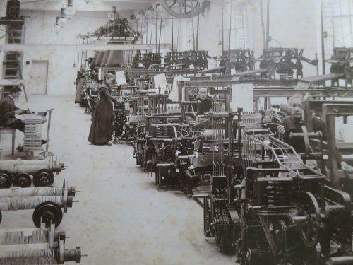 Um 1900 wurde an sechs Tagen pro Woche jeweils zwölf Stunden gearbeitet.