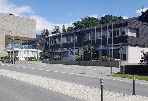 Wolfurt verpasst seinem Rathaus eine grüne Fassade. hapf