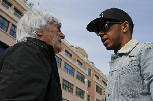Bernie Ecclestone (l.) und Lewis Hamilton sind nicht einer Meinung.Reuters