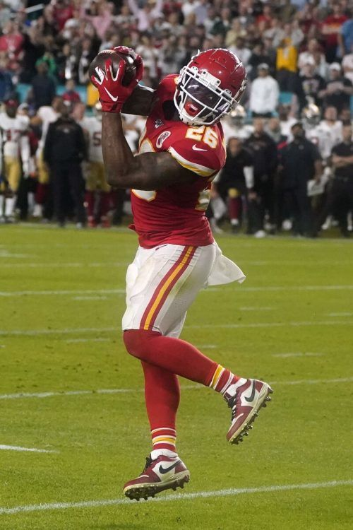 Damien Williams, einer von 30 NFL-Stars, die eine Pause einlegen.ap
