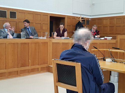 Der Angeklagte befand sich nicht im Geringsten für schuldig.eckert