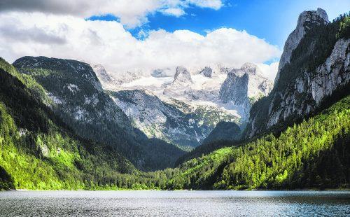 Der Dachstein ist der Hauptgipfel des Dachsteinmassivs.Shutterstock